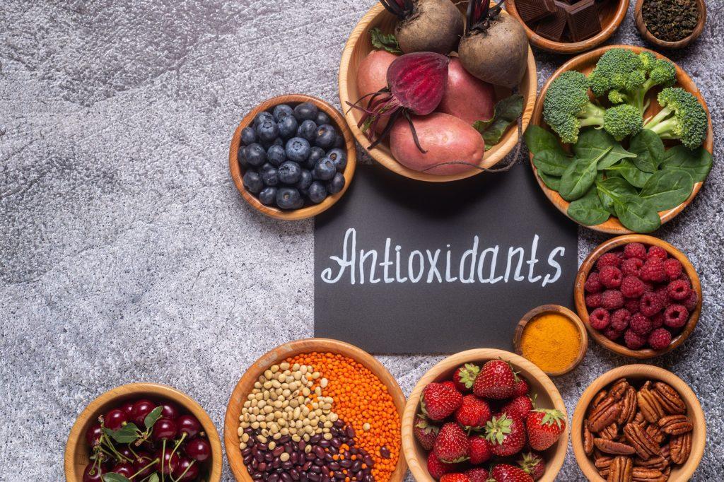 Healthy foods high in antioxidants.